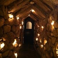 Foto scattata a The Cave Bar at Omni Mt. Washington da Chrissy il 8/31/2013