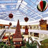 Foto tirada no(a) Shopping Iguatemi por Sheila D. em 12/11/2012