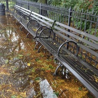 Das Foto wurde bei Brooklyn Heights Promenade von Jeff W. am 10/30/2012 aufgenommen
