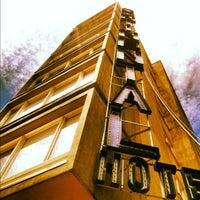 Foto tomada en Hotel Continental por Charlie el 10/23/2012