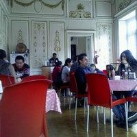 Photo taken at Pizza Mecha by Gerardo on 3/28/2013