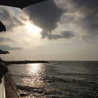 6/15/2013 tarihinde Erhanziyaretçi tarafından Kamelya Restaurant'de çekilen fotoğraf