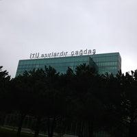 Foto scattata a İstanbul Teknik Üniversitesi da Mehmet K. il 2/14/2013