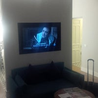 Photo taken at Hotel One Shot 04 Recoletos by Mac R. on 9/11/2014
