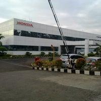 Foto diambil di PT. Honda Prospect Motor oleh ゕr pada 5/15/2013