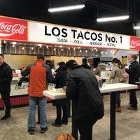 Снимок сделан в Los Tacos No. 1 пользователем Sarah 3/5/2018