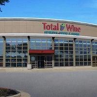 Das Foto wurde bei Total Wine & More von Total Wine am 4/7/2016 aufgenommen