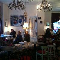 Das Foto wurde bei Divas von Stjepan T. am 11/5/2012 aufgenommen