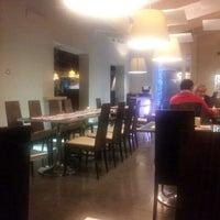 Foto scattata a Fucina Lunch & Dinner da Marco L. il 12/13/2012