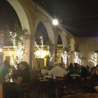 Photo taken at Hank's Querétaro by Rosy Del Razo on 10/1/2012