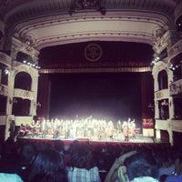Das Foto wurde bei Teatro Municipal de Santiago von José C. am 11/4/2012 aufgenommen