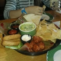 Photo taken at Applebee's Neighborhood Grill & Bar by Candice L. on 9/30/2012
