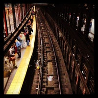 Photo taken at MTA Subway - 14th St/Union Square (4/5/6/L/N/Q/R/W) by Serdar on 12/5/2012