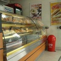 Foto tirada no(a) Uno & Due por Iuri S. em 10/16/2012