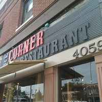 Foto scattata a The Corner Restaurant da Tim G. il 6/15/2013