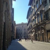 Foto scattata a Via Tornabuoni da Carlo M. il 2/10/2013