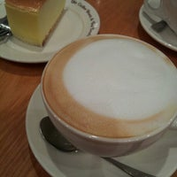 Photo taken at The Coffee Bean & Tea Leaf by Heekyoung S. on 2/5/2013