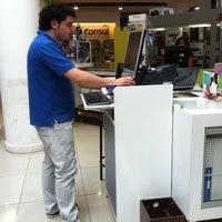 Photo taken at Distribuidora Multihogar by Cristobal on 2/3/2013