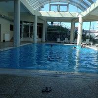 Photo taken at Park Lima Swimming Pool by Elif on 5/5/2013