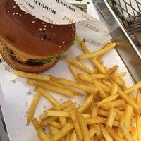 Photo prise au Burger No 7 par Hande le8/31/2017