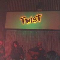 11/7/2012 tarihinde Serdar D.ziyaretçi tarafından Twist Bar'de çekilen fotoğraf