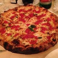 Foto scattata a La Taverna del Leone da Richard J. il 6/26/2013