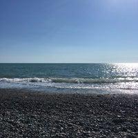 Photo taken at Пляж Айтар | აიტარის პლიაჟი by АлёнаAlv7 on 9/8/2017