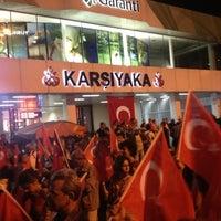 10/29/2012 tarihinde Umutziyaretçi tarafından Karşıyaka Vapur İskelesi'de çekilen fotoğraf