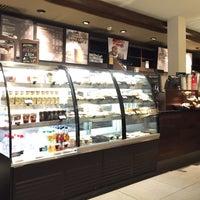 Photo taken at Starbucks by Hisham B. on 2/2/2016