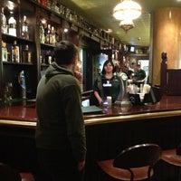 Снимок сделан в The Irish Bar пользователем Julia G. 2/21/2013