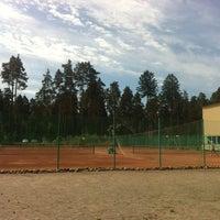 Photo taken at Всеволожская Детская Теннисная Академия (ВДТА) by Maria S. on 5/29/2013
