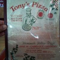 Foto diambil di Tony's Pizza oleh Paul H. pada 5/1/2013