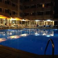 Photo taken at İntermar Hotel Havuz by TC.Halit on 9/2/2014