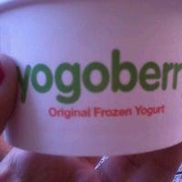 Photo taken at Yogoberry Original by Raquel P. on 12/1/2012
