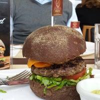 Foto tirada no(a) General Prime Burger por Mayla S. em 7/26/2013