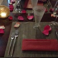 Снимок сделан в Marmalade Restaurant And Wine Bar пользователем A C. 11/25/2012