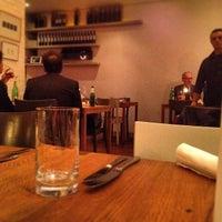 Das Foto wurde bei A Casa Di Tomilaia von Arthur P. am 3/27/2014 aufgenommen