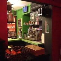 Снимок сделан в Кофе на кухне пользователем Varlaam S. 3/15/2013