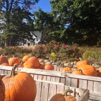 Photo taken at Mack's Apples by Jessica on 9/28/2013
