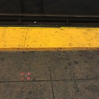Photo taken at MTA Subway - Bedford/Nostrand Aves (G) by Samuel B. on 10/16/2017