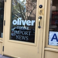 Photo taken at Oliver Coffee by Samuel B. on 10/21/2017