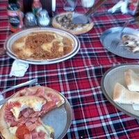 Photo taken at Conni Pizzas by Eric Leonardo G. on 12/30/2012