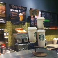 Foto diambil di Starbucks oleh Deborah R. pada 7/28/2013