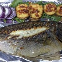 Foto tirada no(a) Beluga Fish Gourmet por Cheffevzi I. em 11/29/2012