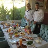 Foto tirada no(a) Beluga Fish Gourmet por Cheffevzi I. em 6/18/2013