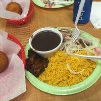 """Foto tomada en Lo mejor Del Mundo """"Cuban Cafe"""" por Daphne K. el 2/13/2015"""