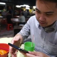Photo taken at Jalan Ipoh Curry Mee by Miya Jinee on 8/3/2017