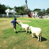 Photo taken at The Scenery Vintage Farm by Prithong B. on 1/20/2013