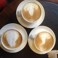 3/2/2013 tarihinde Birsen Y.ziyaretçi tarafından Starbucks'de çekilen fotoğraf