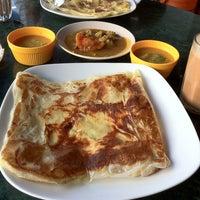 Foto tomada en Original Kayu Nasi Kandar Restaurant por Sofya Y. el 2/18/2013